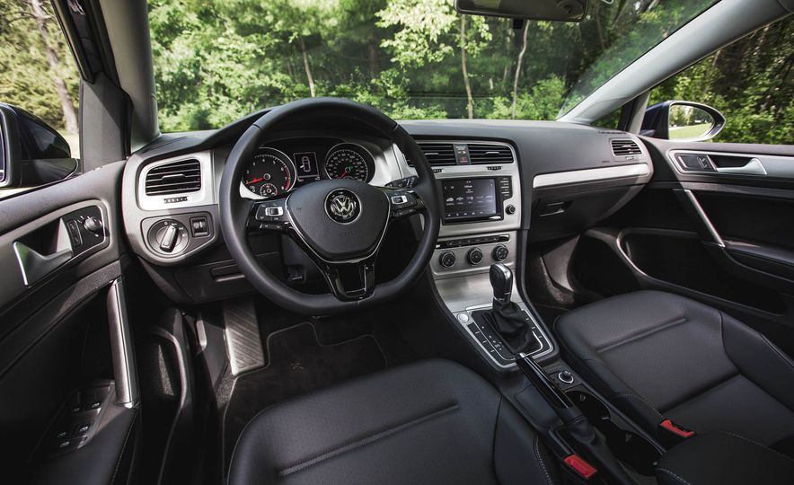 2017 Volkswagen Golf 1.8T TSI - Slide 43