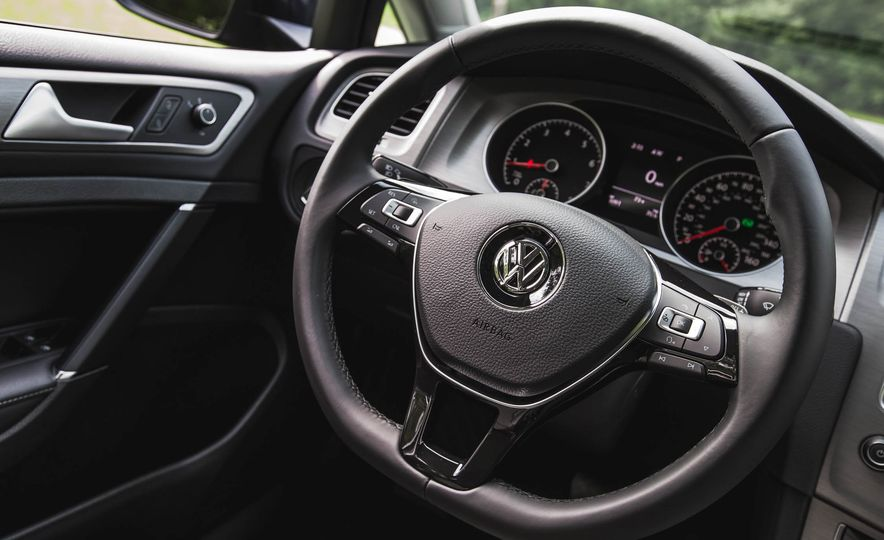 2017 Volkswagen Golf 1.8T TSI - Slide 45
