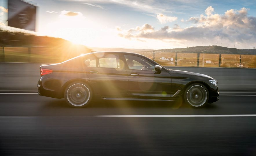 2018 BMW M550i xDrive - Slide 3