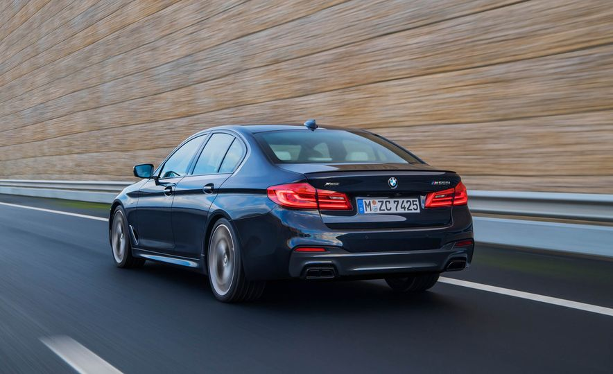2018 BMW M550i xDrive - Slide 9