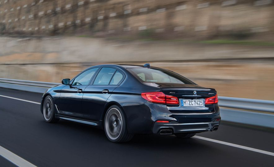2018 BMW M550i xDrive - Slide 10