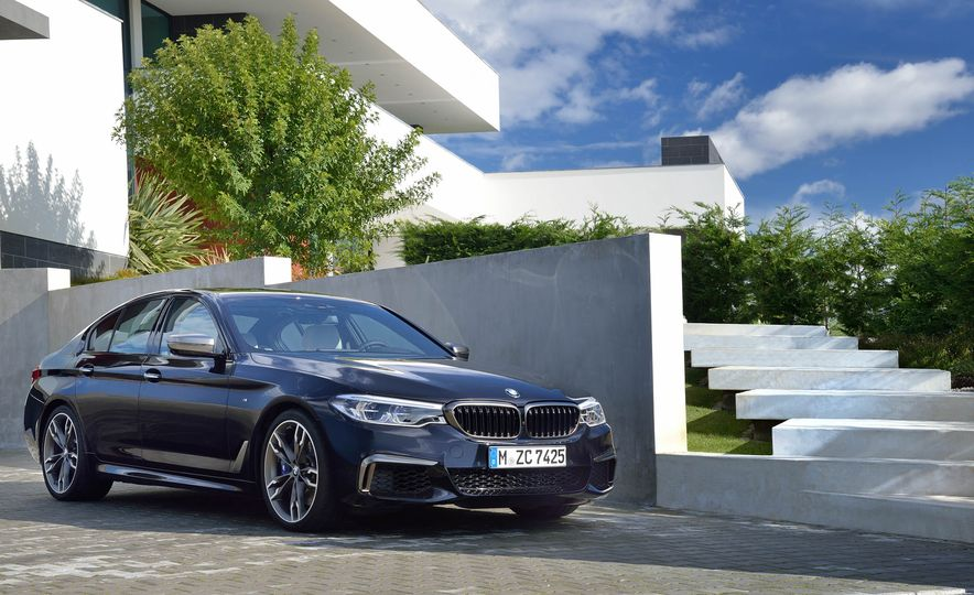 2018 BMW M550i xDrive - Slide 20