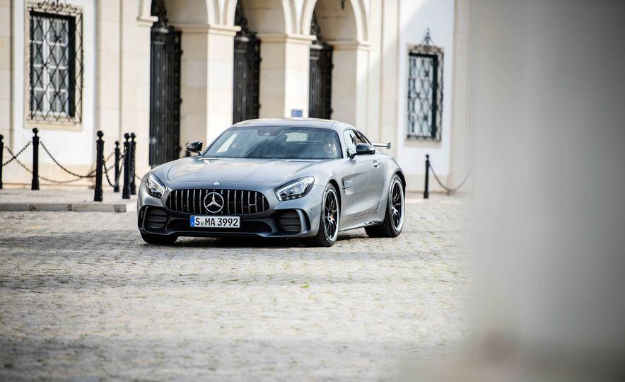 2018 Mercedes-AMG GT R - Slide 18