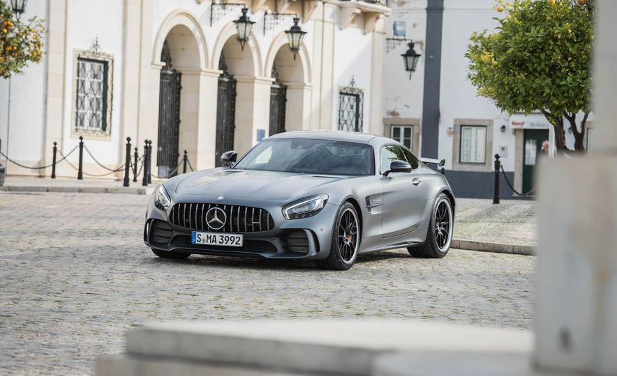 2018 Mercedes-AMG GT R - Slide 19