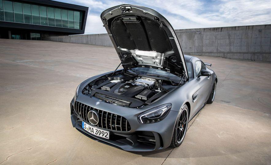 2018 Mercedes-AMG GT R - Slide 50