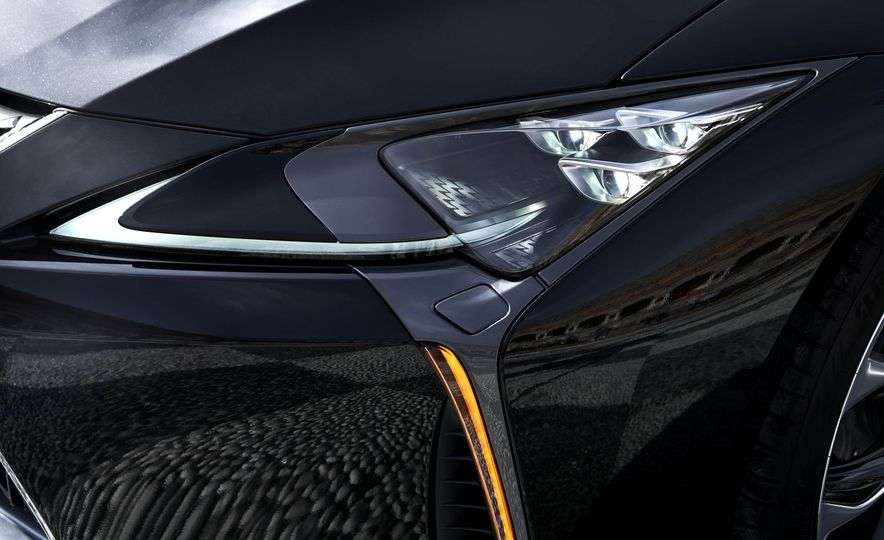 2018 Lexus LC500 - Slide 60