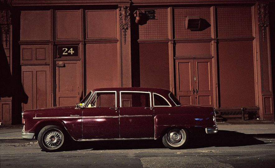 Iron and Grit: These Moody Images of the Cars of 1970s New York Are Incredible - Slide 6
