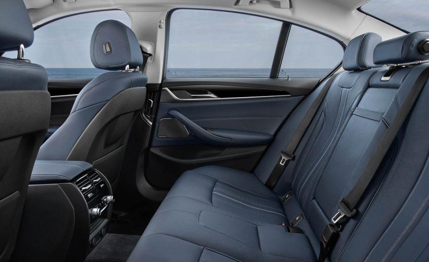 2018 BMW 530e iPerformance - Slide 19