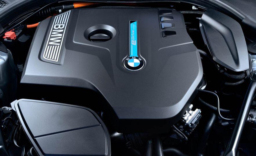 2018 BMW 530e iPerformance - Slide 20