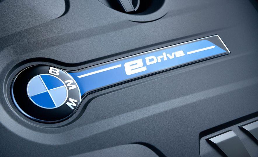 2018 BMW 530e iPerformance - Slide 21