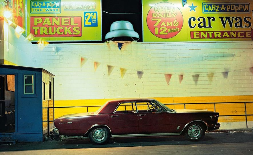 Iron and Grit: These Moody Images of the Cars of 1970s New York Are Incredible - Slide 2
