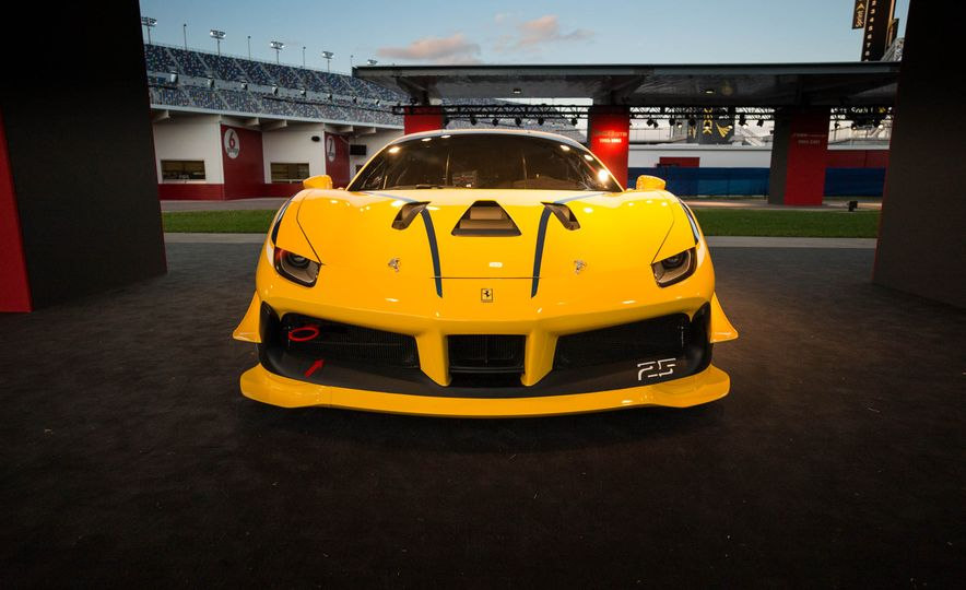 Ferrari 488 Challenge race car - Slide 8