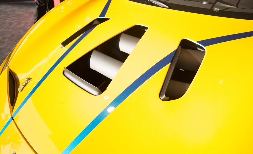 Ferrari 488 Challenge race car - Slide 17