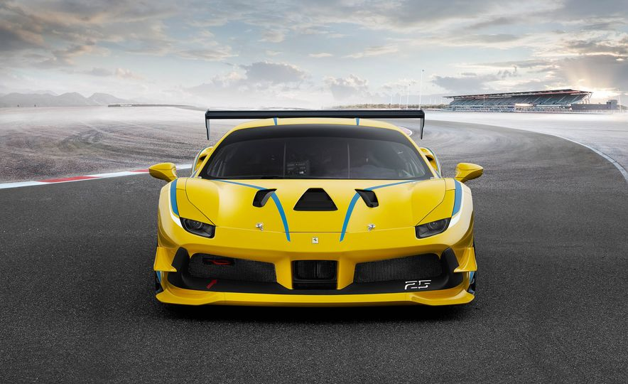 Ferrari 488 Challenge race car - Slide 26