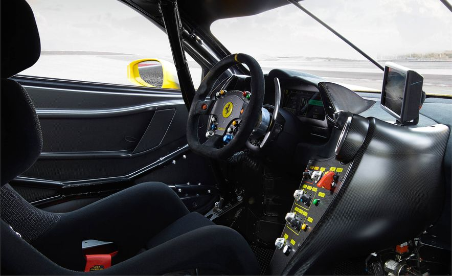 Ferrari 488 Challenge race car - Slide 30