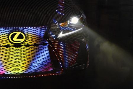Lite-Brite Lexus: 2017 IS Sedan Dons 41,999 LEDs