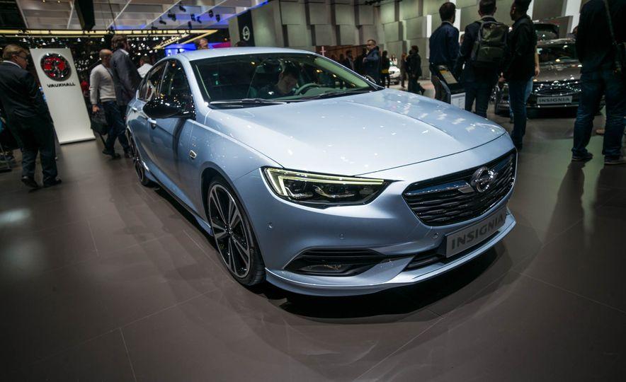 Opel Insignia Grand Sport (Euro-spec) - Slide 1