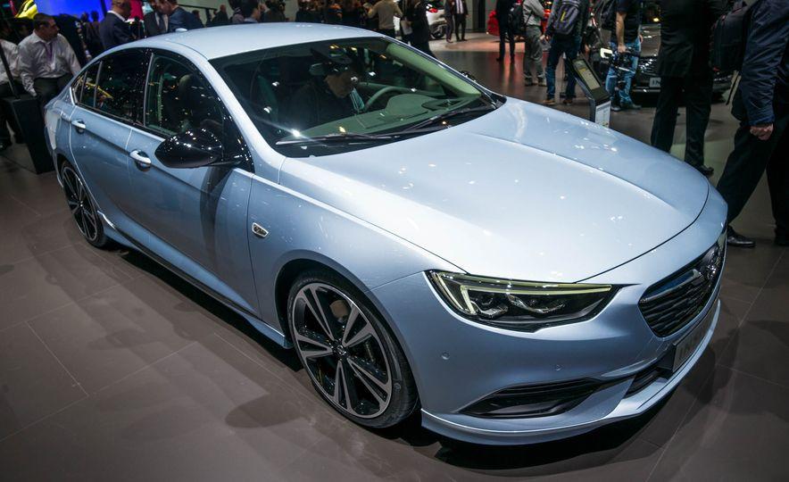 Opel Insignia Grand Sport (Euro-spec) - Slide 2