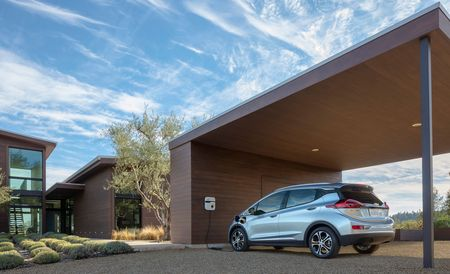 Study: 60 Percent of U.S. Drivers Haven't Heard of—Or Know Little about—Electric Cars