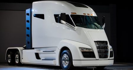 Nikola Hydrogen-Electric Big Rig: A Glimpse of Long-Haul Trucking for the 2020s?