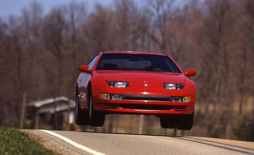 Sweet Jumps: Here Are a Bunch of Pictures of Cars Flying through the Air - Slide 5