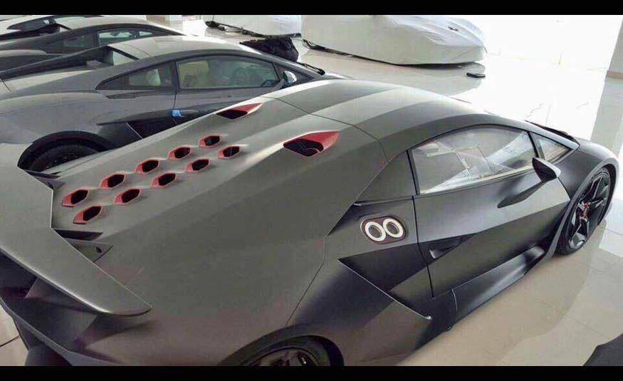 2011 Lamborghini Sesto Elemento - Slide 4