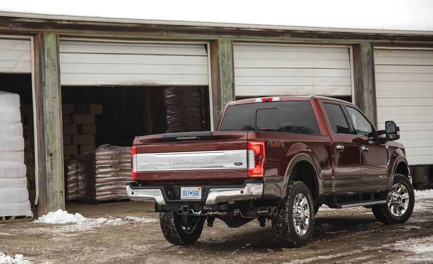 2017 Ford F-350 Super Duty King Ranch - Slide 13