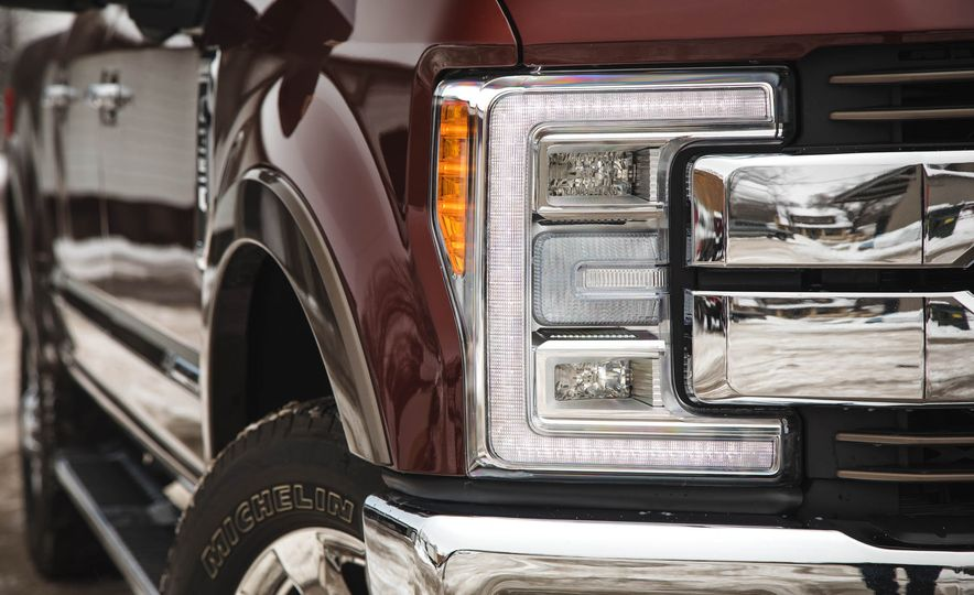 2017 Ford F-350 Super Duty King Ranch - Slide 17