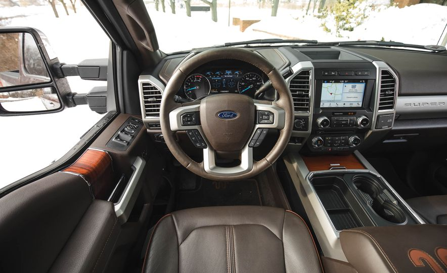 2017 Ford F-350 Super Duty King Ranch - Slide 29