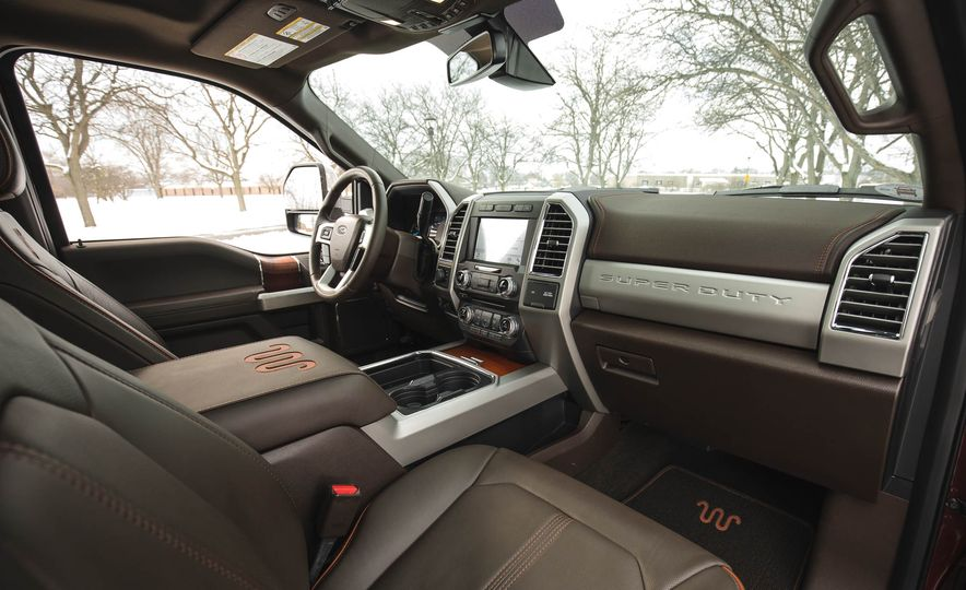 2017 Ford F-350 Super Duty King Ranch - Slide 30