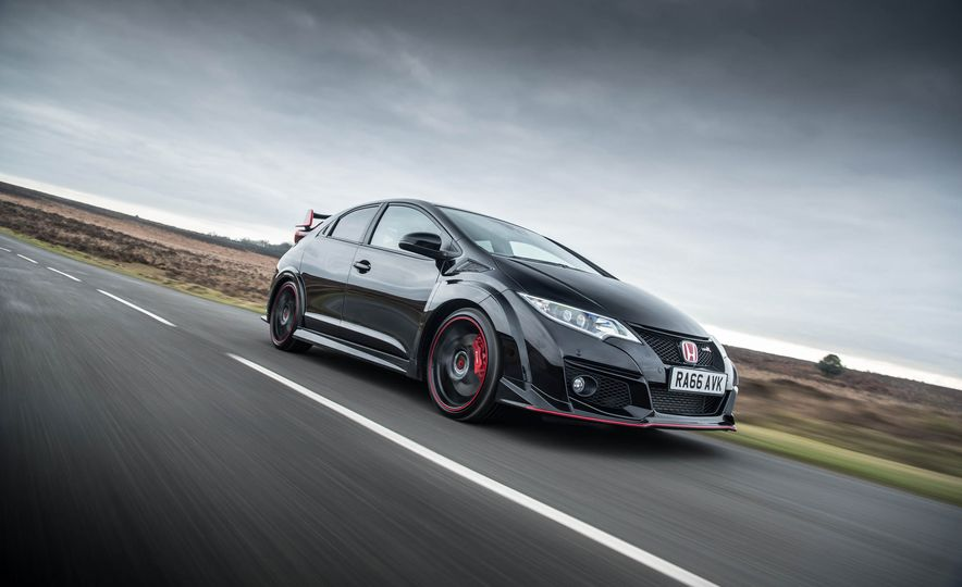 2017 Honda Civic Type R Black Edition (Euro-spec) - Slide 1