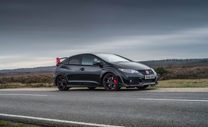2017 Honda Civic Type R Black Edition (Euro-spec) - Slide 3