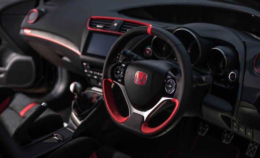 2017 Honda Civic Type R Black Edition (Euro-spec) - Slide 5
