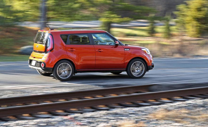 2017 Kia Soul SX Turbo - Slide 5