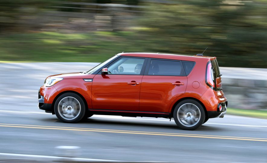 2017 Kia Soul SX Turbo - Slide 10