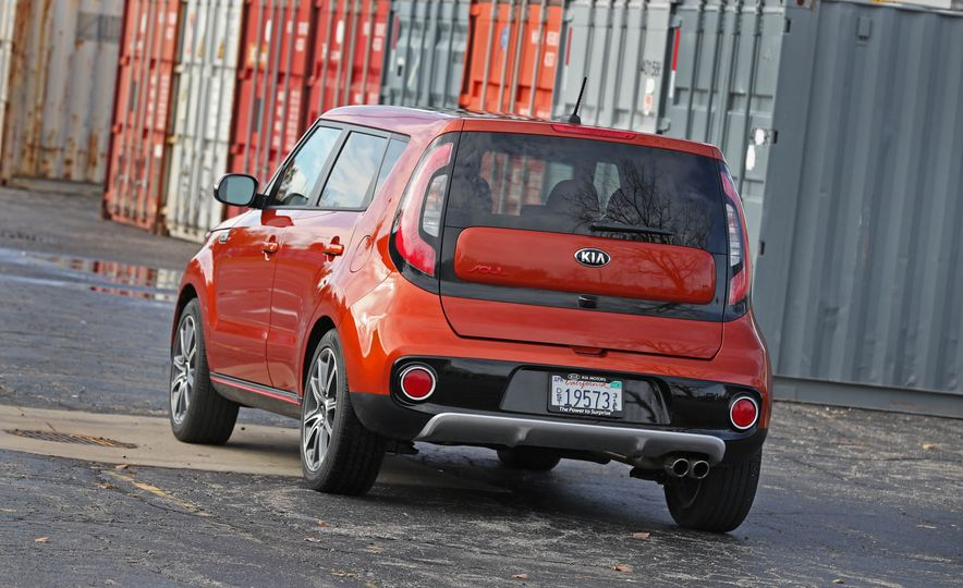 2017 Kia Soul SX Turbo - Slide 19