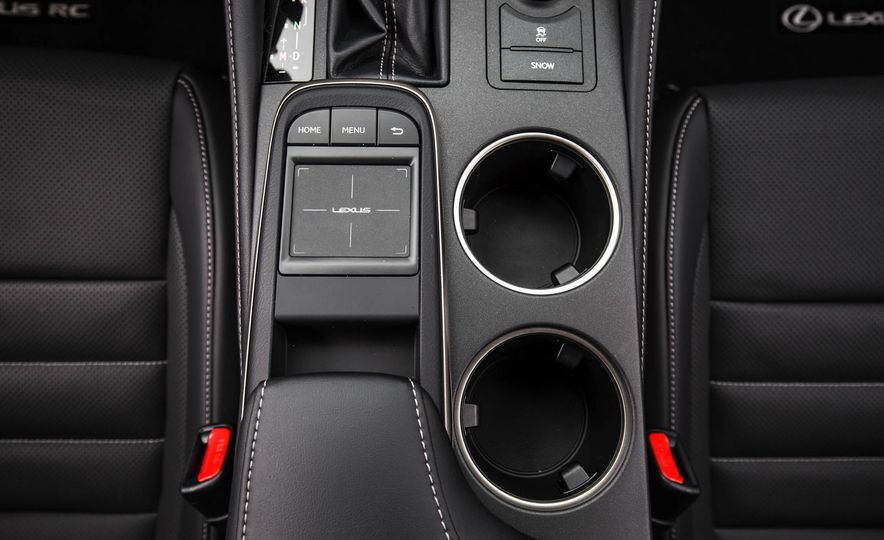 2017 Lexus RC 200t - Slide 39