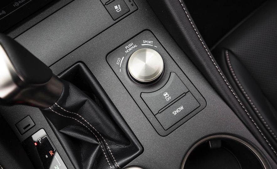 2017 Lexus RC 200t - Slide 40
