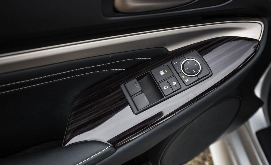 2017 Lexus RC 200t - Slide 45