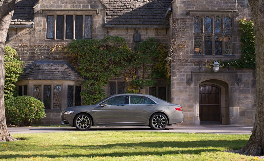 2017 Lincoln Continental 3.0T AWD - Slide 6