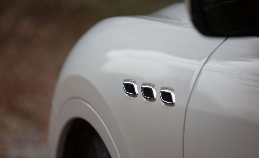 2017 Maserati Levante S Q4 - Slide 13