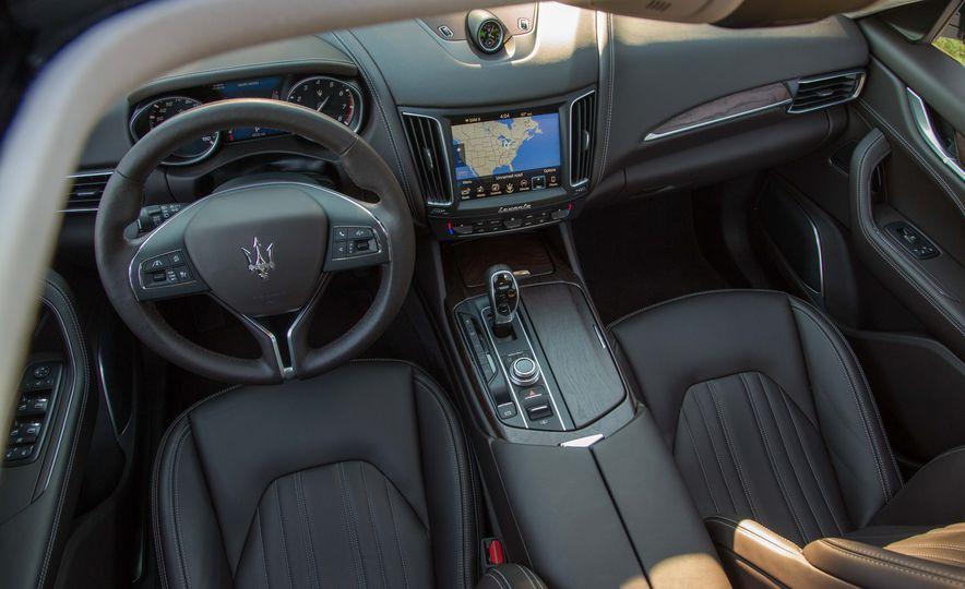 2017 Maserati Levante S Q4 - Slide 16