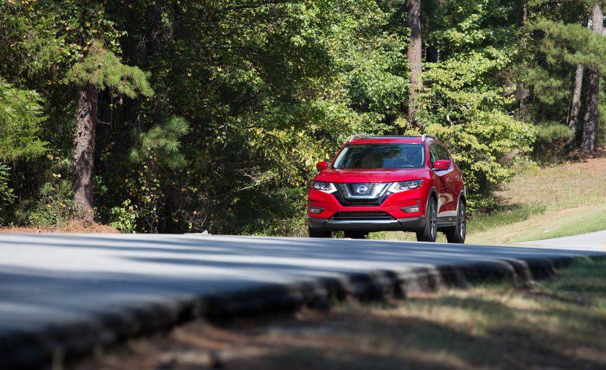 2017 Nissan Rogue hybrid - Slide 2