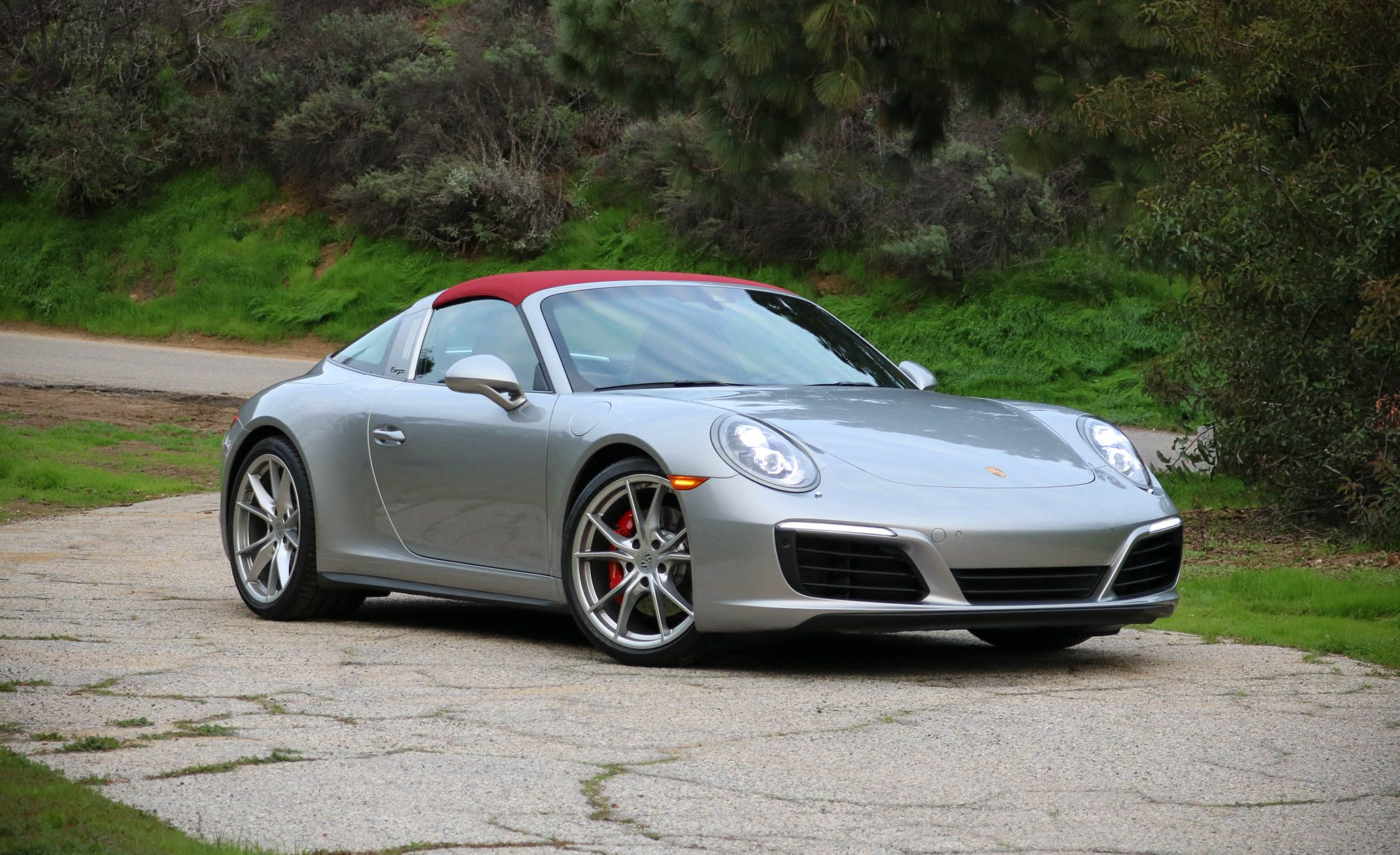 2017 porsche 911 targa pictures photo gallery car and driver