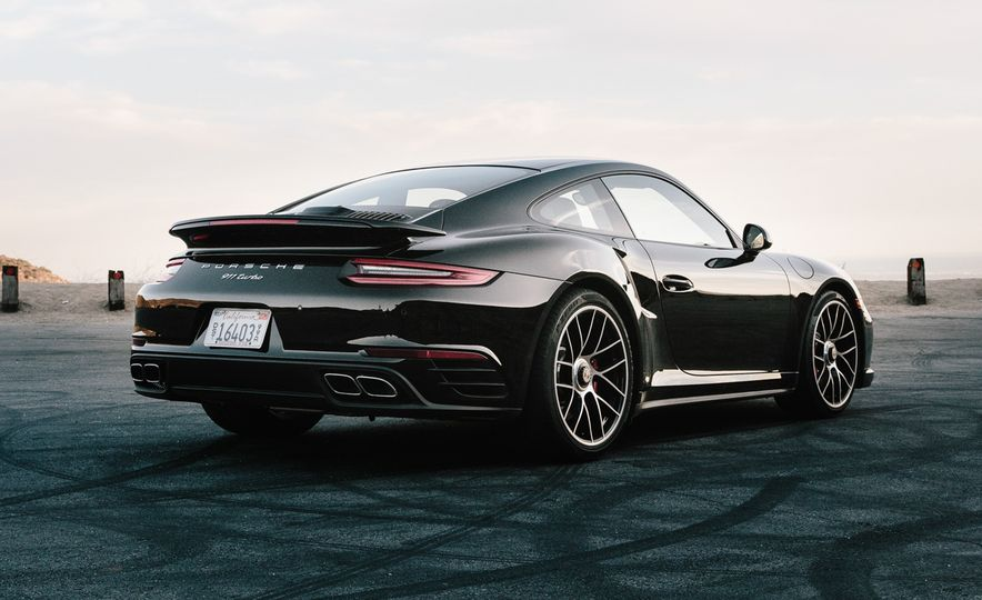 2017 Porsche 911 Turbo - Slide 13