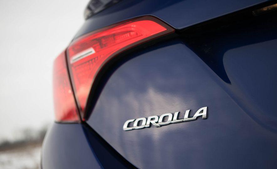 2017 Toyota Corolla XSE - Slide 34