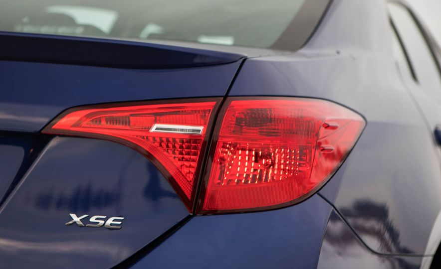2017 Toyota Corolla XSE - Slide 36