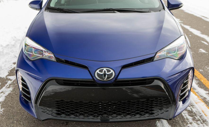 2017 Toyota Corolla XSE - Slide 40