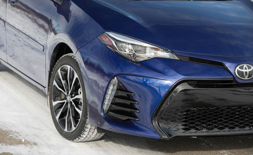 2017 Toyota Corolla XSE - Slide 41