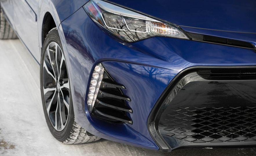 2017 Toyota Corolla XSE - Slide 42